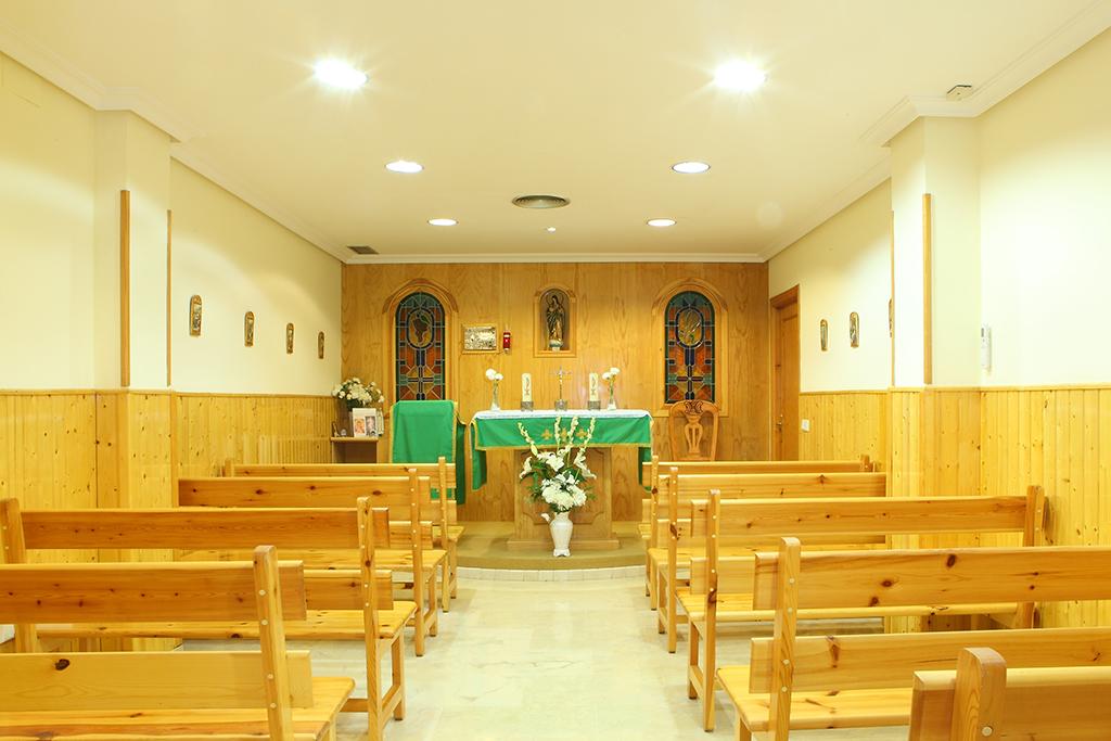 Capilla con servicio religioso